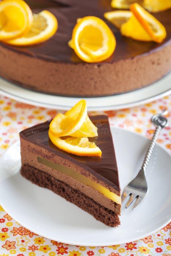 Gâteau orange de mousse de chocolat photographie stock libre de droits