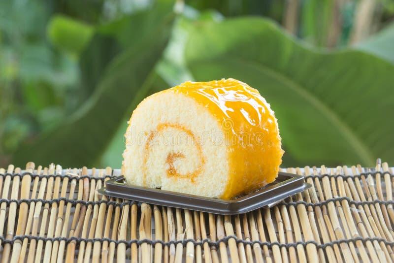 Gâteau orange de roulis images libres de droits