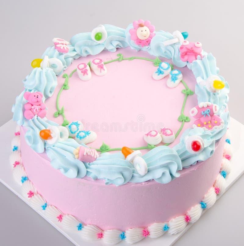 gâteau ou gâteau d'anniversaire de crème glacée sur un fond image libre de droits
