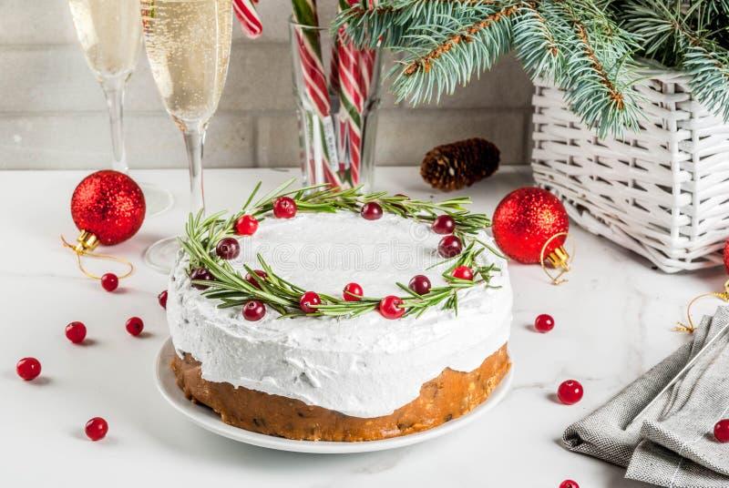 Gâteau ou pudding de fruit de Noël photos libres de droits