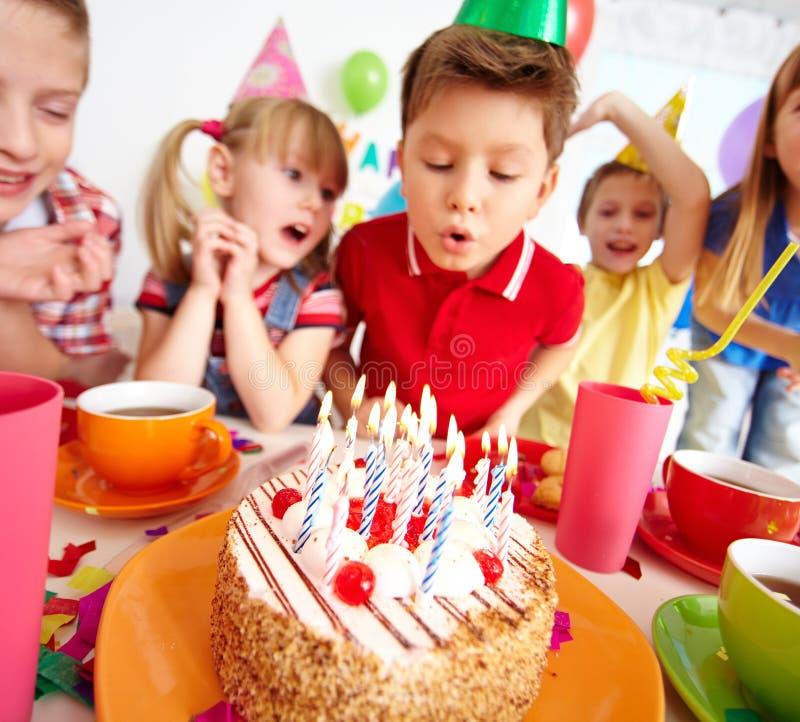 Gâteau pour des enfants photographie stock