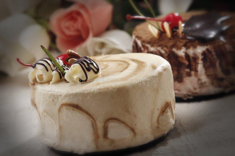 Gâteau pour un cadeau images stock