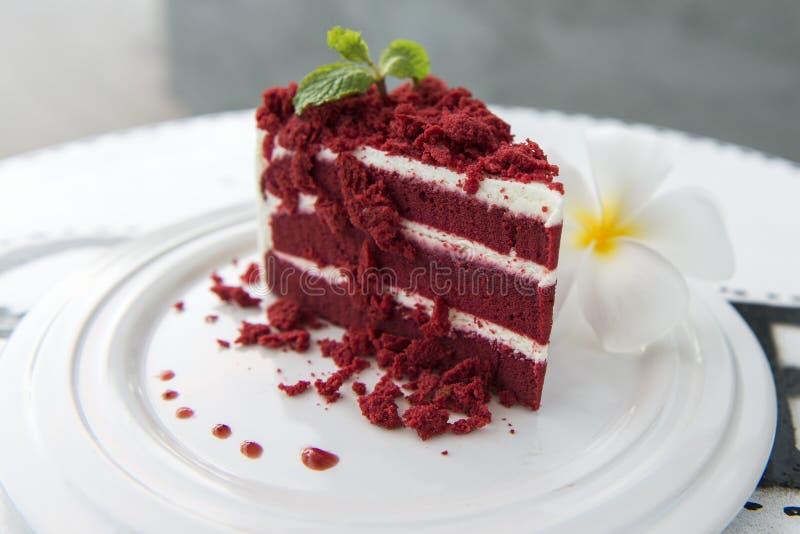 Gâteau rouge images libres de droits