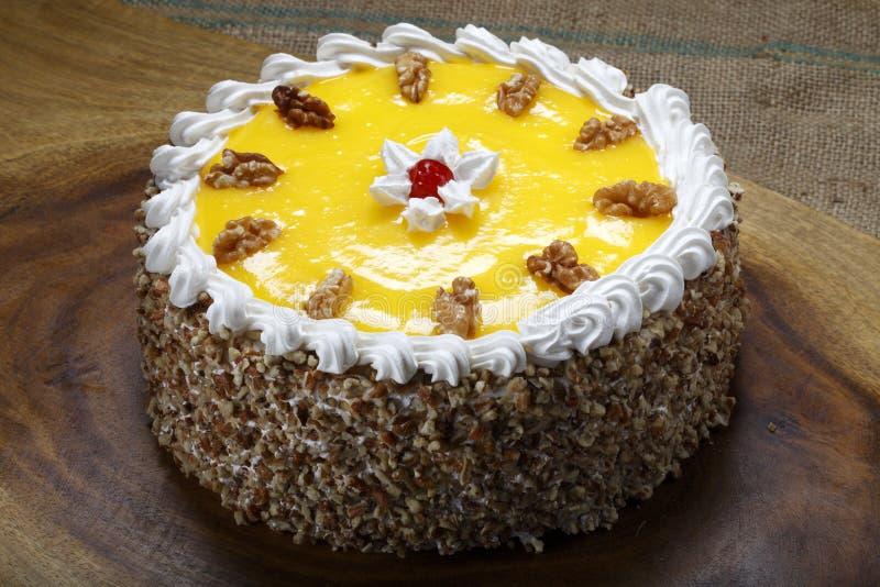 Gâteau sur la table images libres de droits