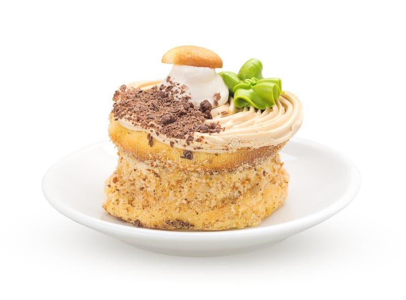 Gâteau sur une vue de face de soucoupe images stock