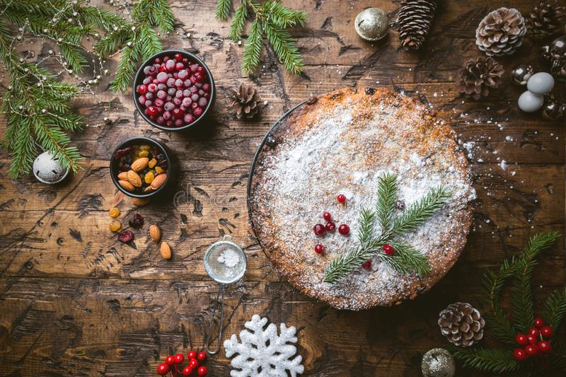 Gâteau traditionnel de Noël photos libres de droits