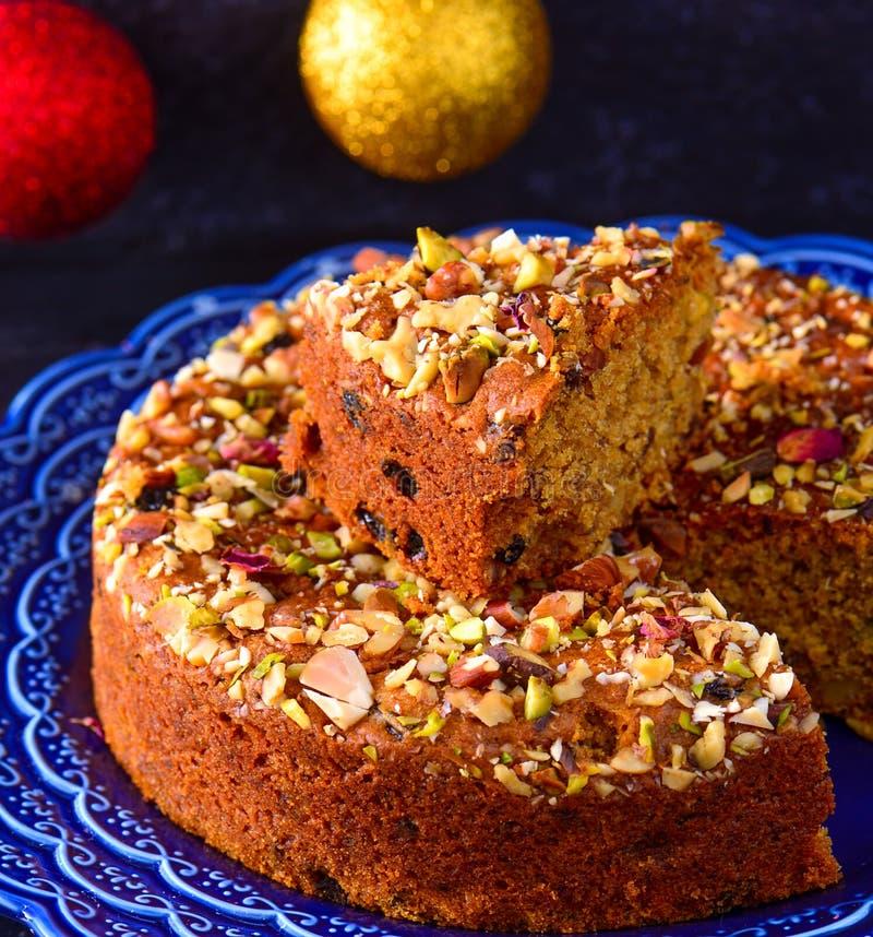 Gâteau turc dans un plat bleu image stock