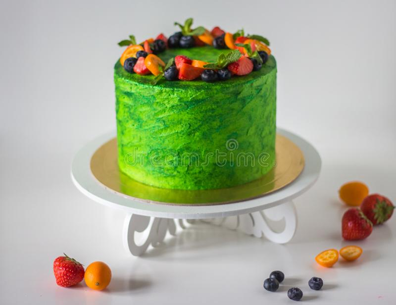 Gâteau vert brillant photographie stock