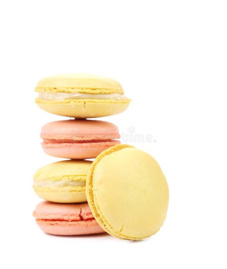 Gâteaux colorés de macaron images stock