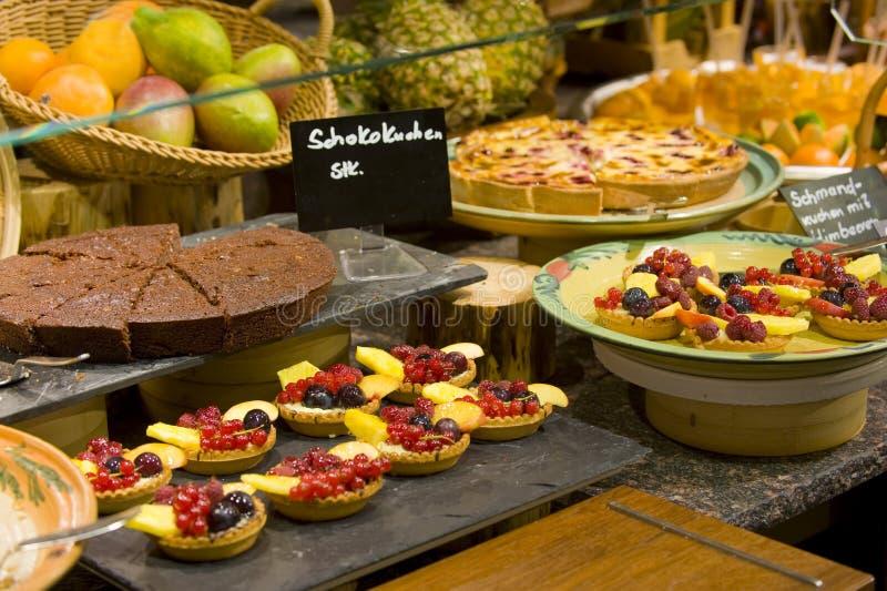 Gâteaux de fruit de restauration photos libres de droits