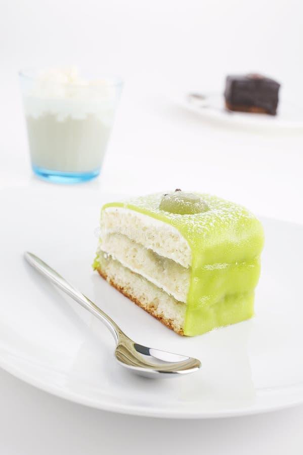 Gâteaux et frappucino image stock