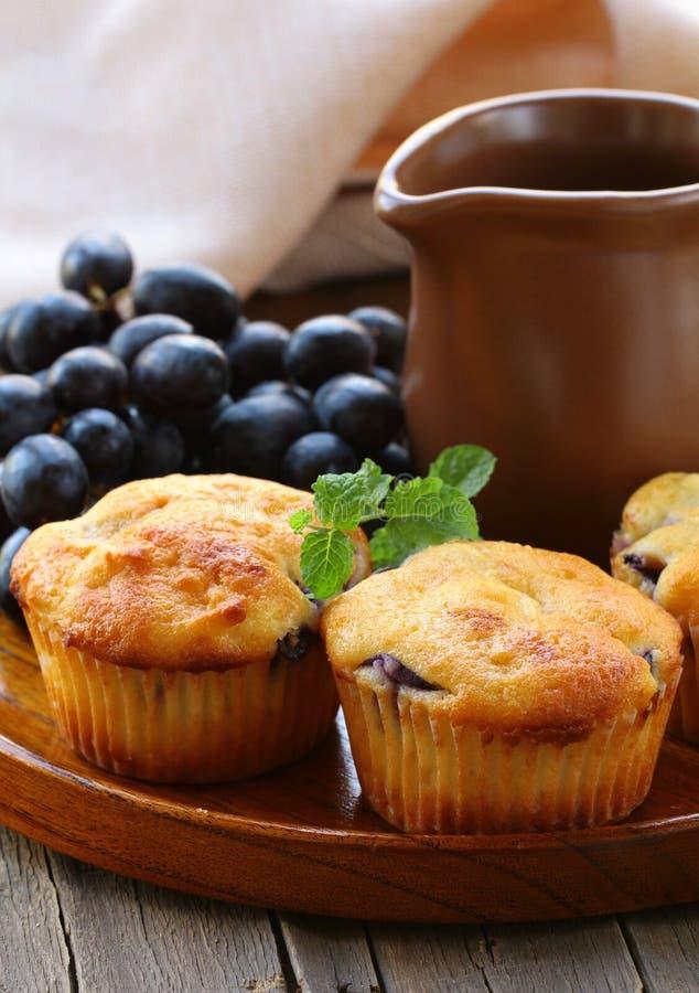 Gâteaux faits maison de fruit photo libre de droits