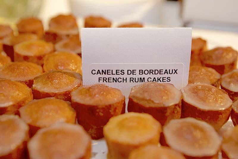 Gâteaux français de rhum photo libre de droits