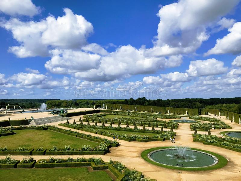 G?rten des Versailles-Palastes lizenzfreie stockfotos