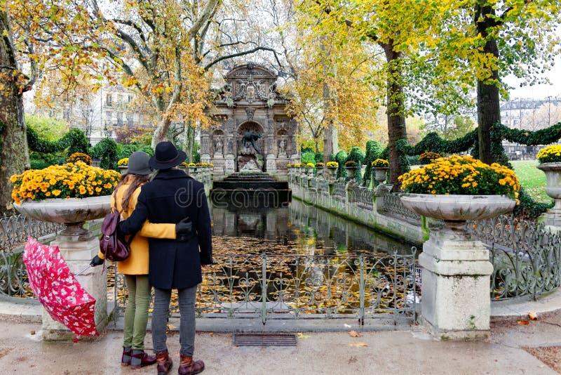 Gärten Europas, Frankreich, Paris, Luxemburg, Medici-Brunnen stockfoto