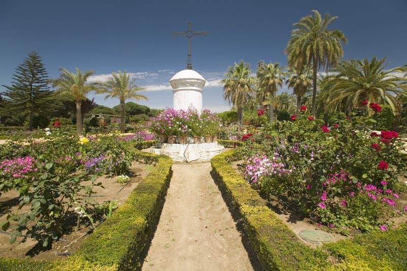 Gärten ½ ¿ Franziskaner Monasterio Des Santa Marï des 15. Jahrhunderts ein ¿ de la Rï ½ bida, Palos de la Frontera, ein Erbe des  lizenzfreie stockbilder