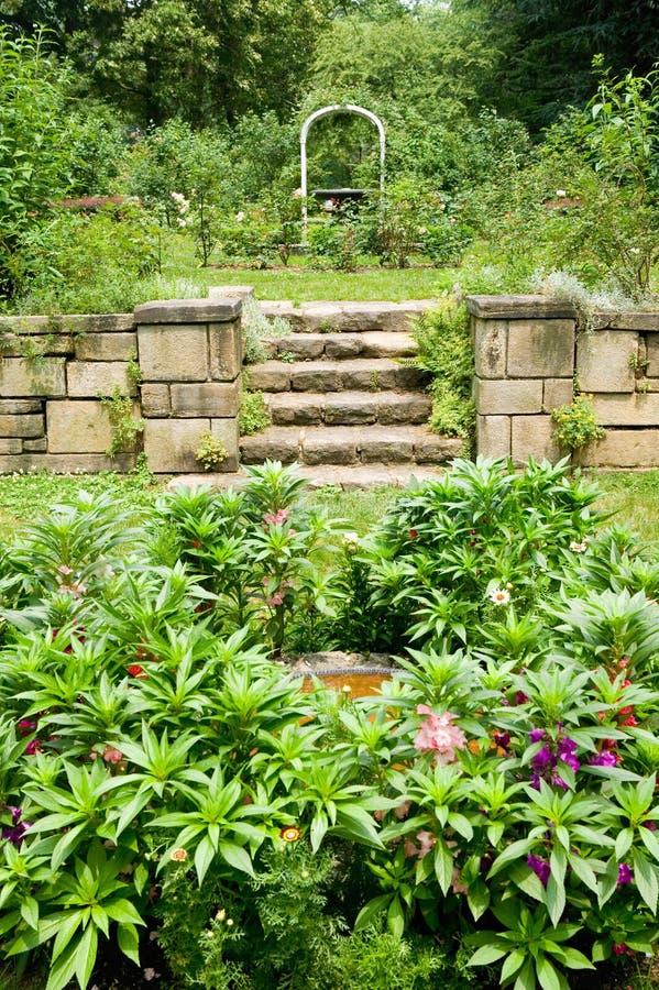 Gärten von Barnes-Museum Philadelphia, Pennsylvania lizenzfreie stockfotos