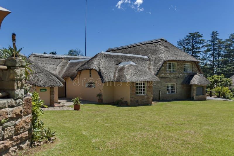 Gästehaus bei königlicher Natal Park in den Drachenberge stockbilder