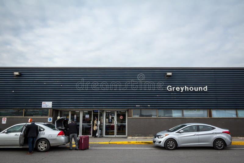 Główny budynek Ottawa Powozowa stacja z charci logo i taxi czekać obraz stock