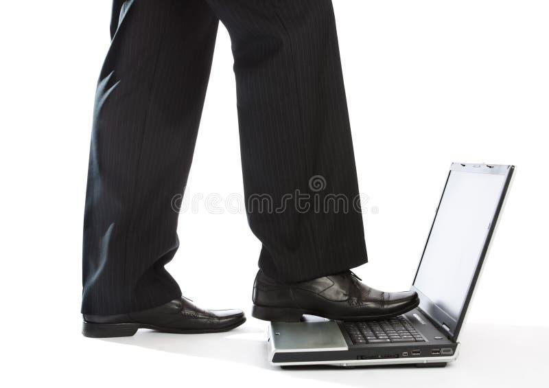 gå för bärbar dator royaltyfri bild