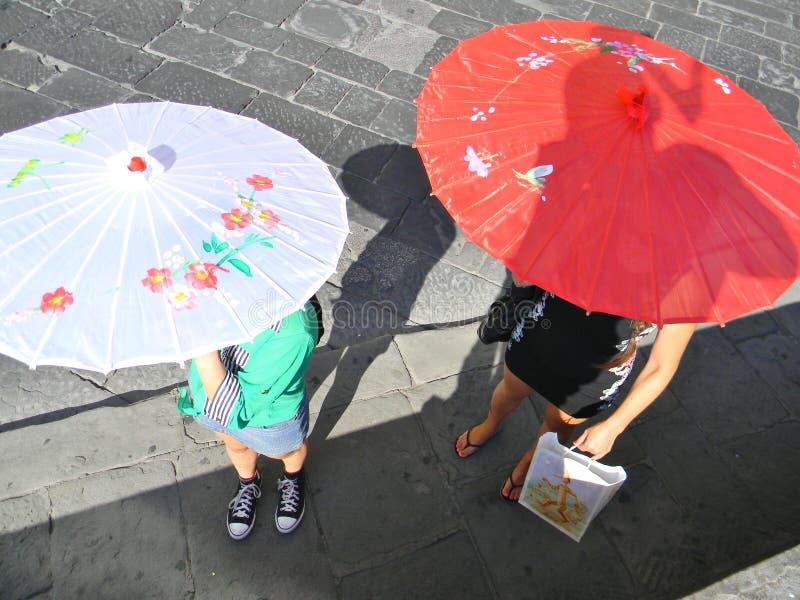 Gå i en sommarmorgon i Florence fotografering för bildbyråer