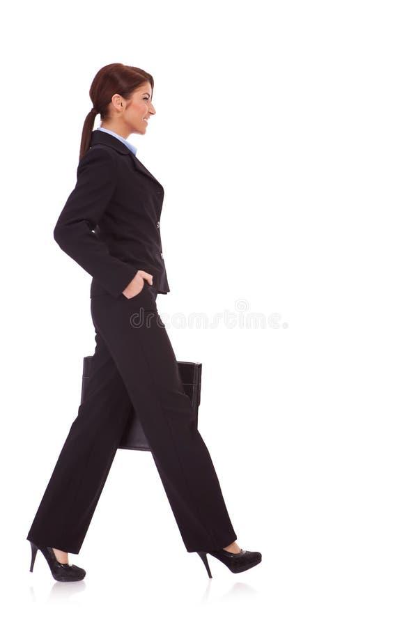 gå kvinna för portföljaffär arkivfoton