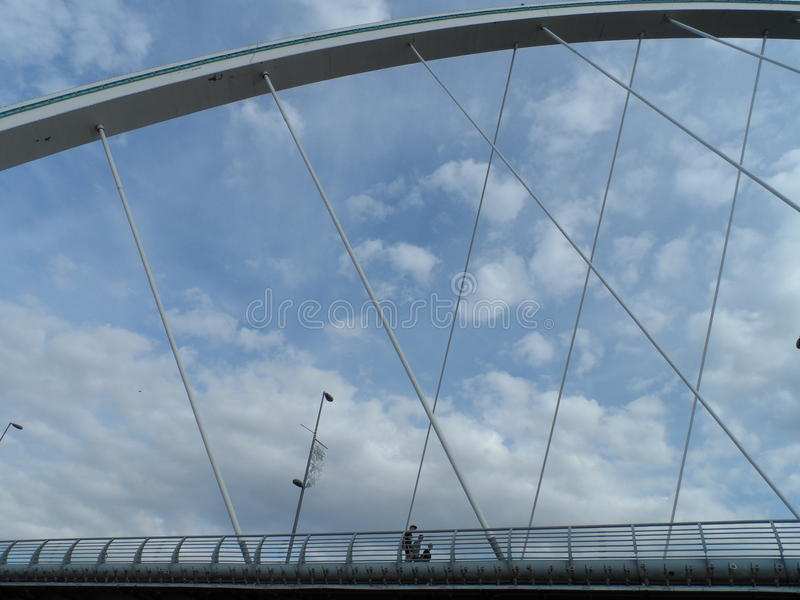 Gå på det motoriska skeppet - bro royaltyfri bild