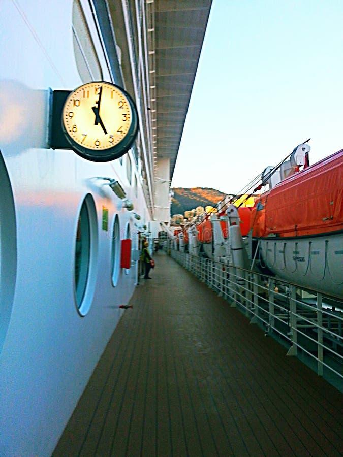 Gå på skeppsdockan royaltyfri bild