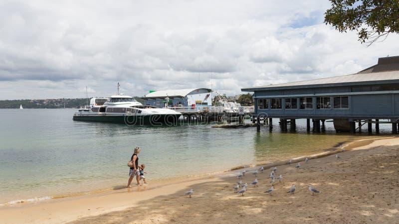 Gå på stranden, Australien royaltyfria foton