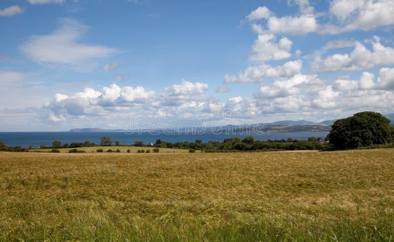 Gå runt om Lligwy och Moelfre arkivbilder
