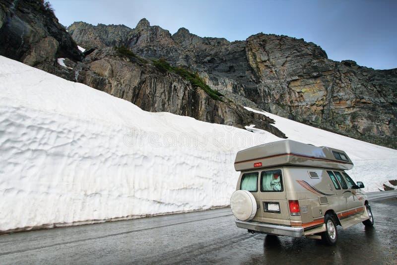 Gå-till- solvägen i glaciär royaltyfria foton