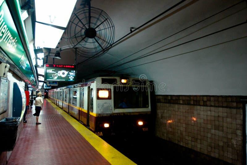gångtunnel för airesargentina buenos royaltyfri fotografi