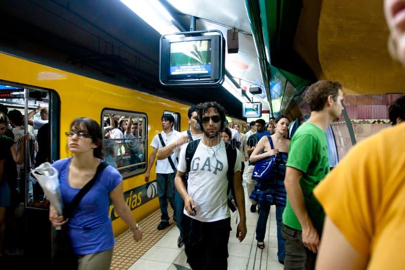 gångtunnel för airesargentina buenos royaltyfria foton