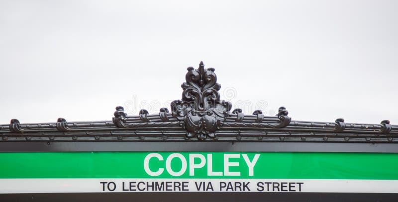 Gångtunnelingångstecken på den Copley stationen i Boston royaltyfri bild