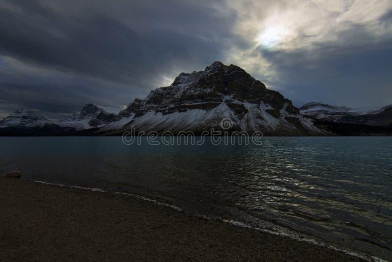 Gåta på pilbåge sjön fotografering för bildbyråer