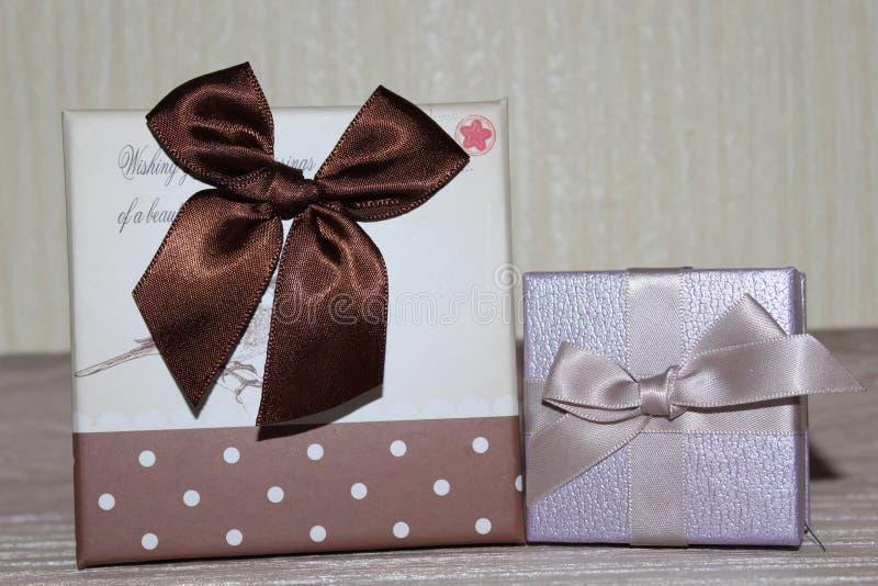 gåvor för Valentine& x27; s-dag royaltyfri fotografi