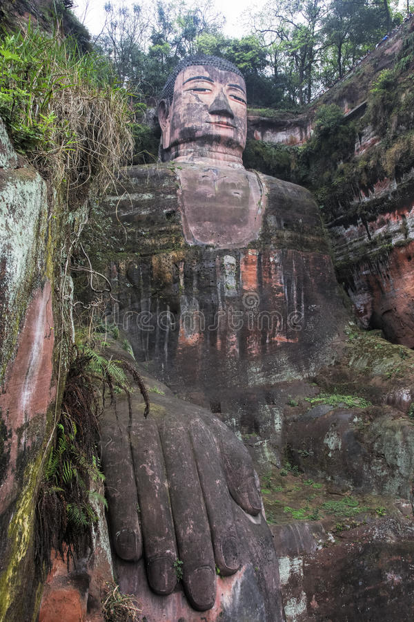 Géant Bouddha de Leshan dans la province de Sichuan en Chine images libres de droits