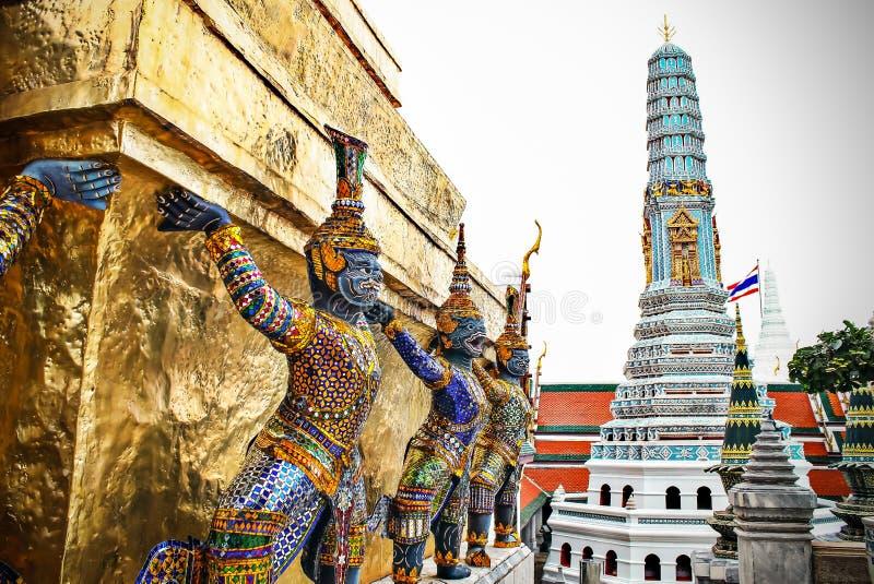 Géant en Wat Phra Kaeo, le palais grand royal - Bangkok, Thaila photos libres de droits