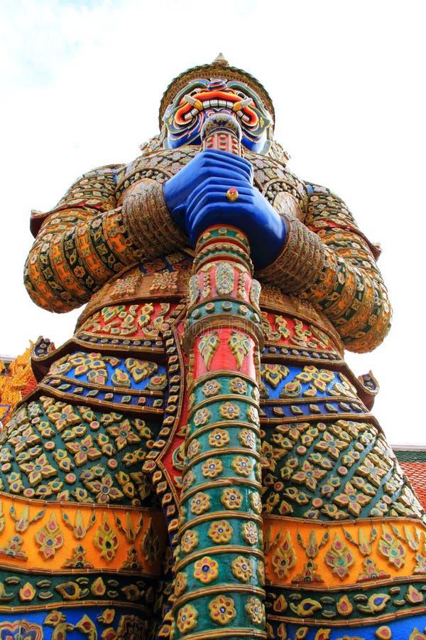 Géants sacrés thaïs au kaew de phra de wat image libre de droits