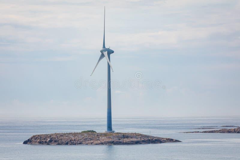 Générateur de turbines de vent à la mer baltique ?les d'Aland, Finlande l'europe image stock
