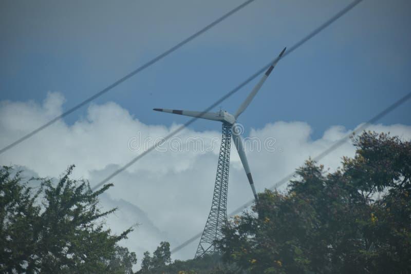 Générateurs d'énergie éolienne et stockage photo stock