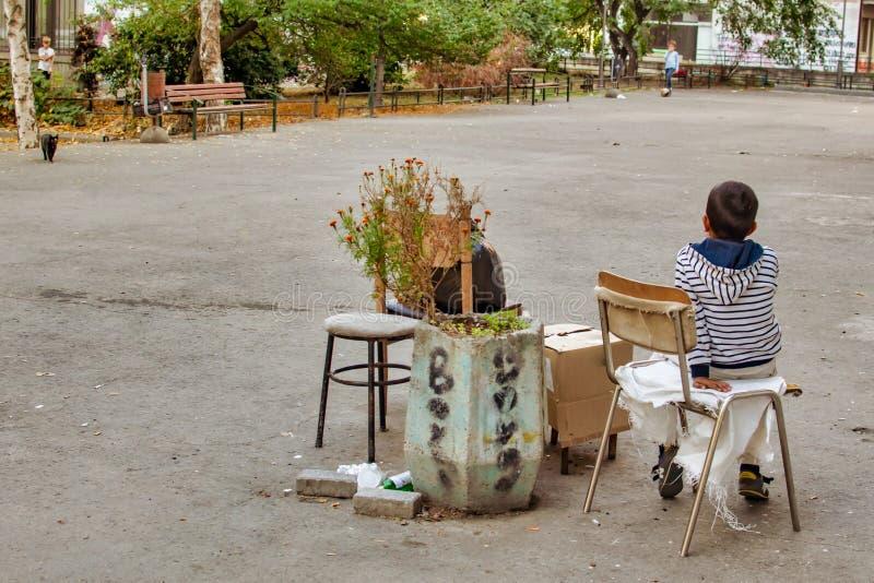 Génération des enfants dans de grandes villes photographie stock libre de droits