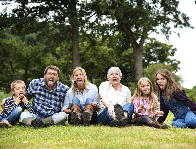 Générations de famille Parenting le concept de relaxation d'unité photographie stock
