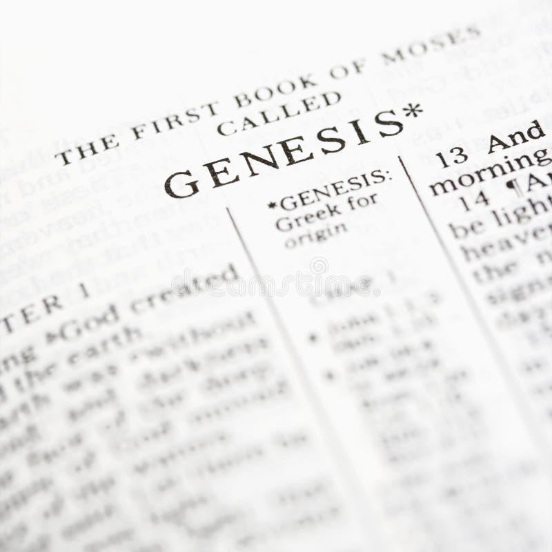 Génesis en biblia. fotografía de archivo