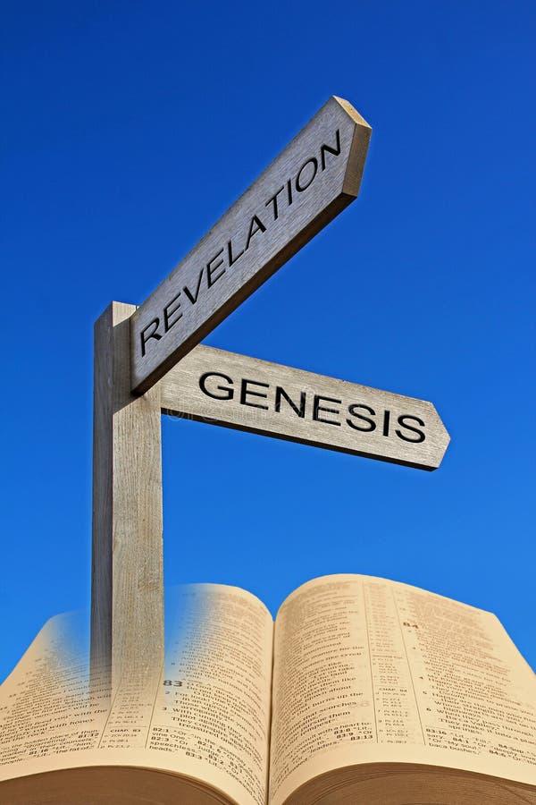 Génesis espiritual de la muestra de la flecha de la dirección de la biblia a la revelación imágenes de archivo libres de regalías