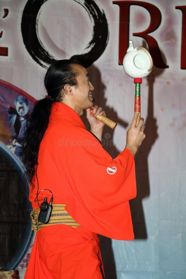 Génova-Italia 8 de marzo de 2019: El juglar japonés Senmaru Kagami en el festival del este de Génova imágenes de archivo libres de regalías