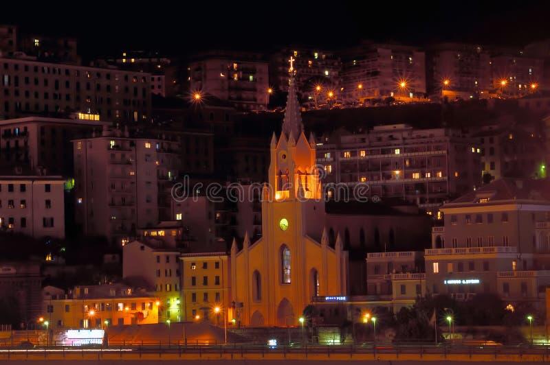 Génova por noche   fotografía de archivo