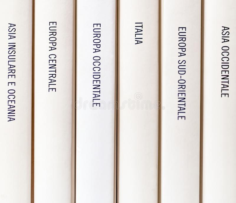 Géographie européenne écrite sur un livre photo libre de droits
