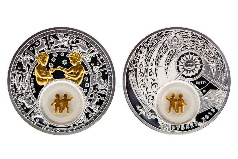 Gêmeos da astrologia da moeda de prata de Bielorrússia fotografia de stock