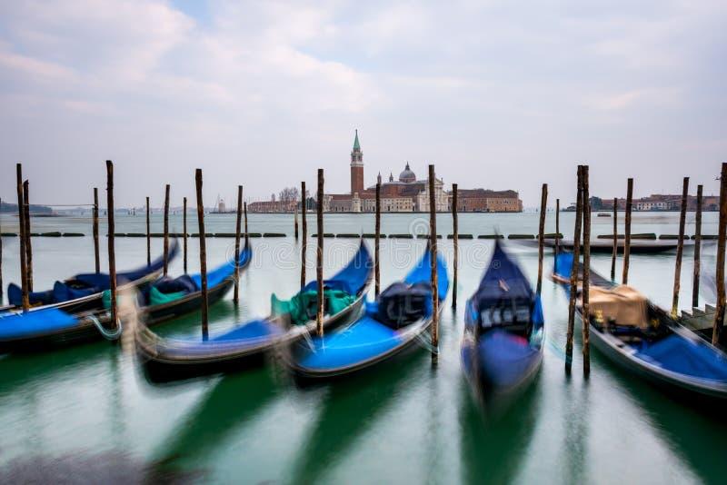 Góndolas amarradas en la plaza San Marco, Venecia foto de archivo libre de regalías